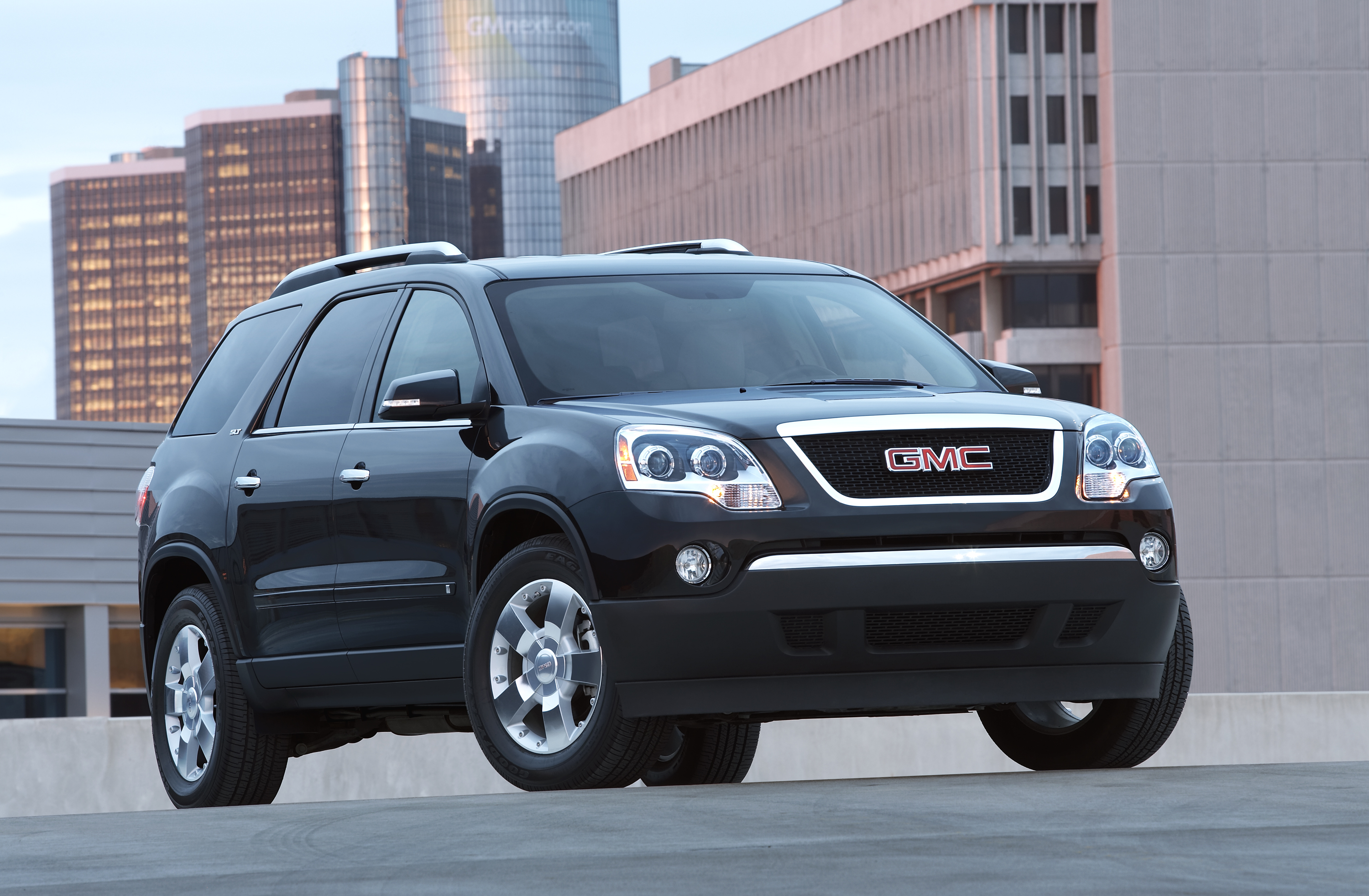 of cars denali photo front angle yukon topworldauto images more photos galleries gmc