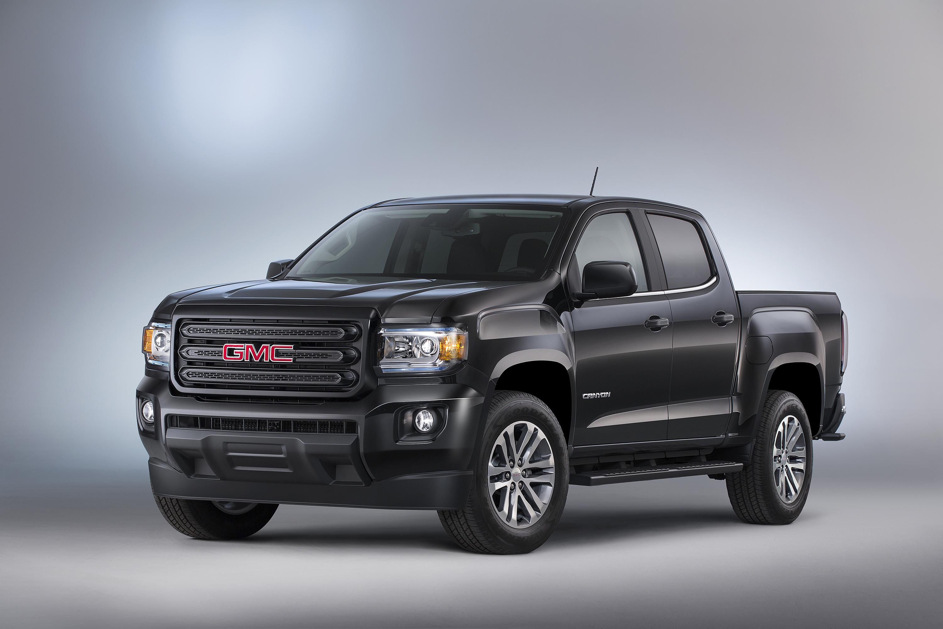 by the auto vs with sierra long news term review gmc side canyon