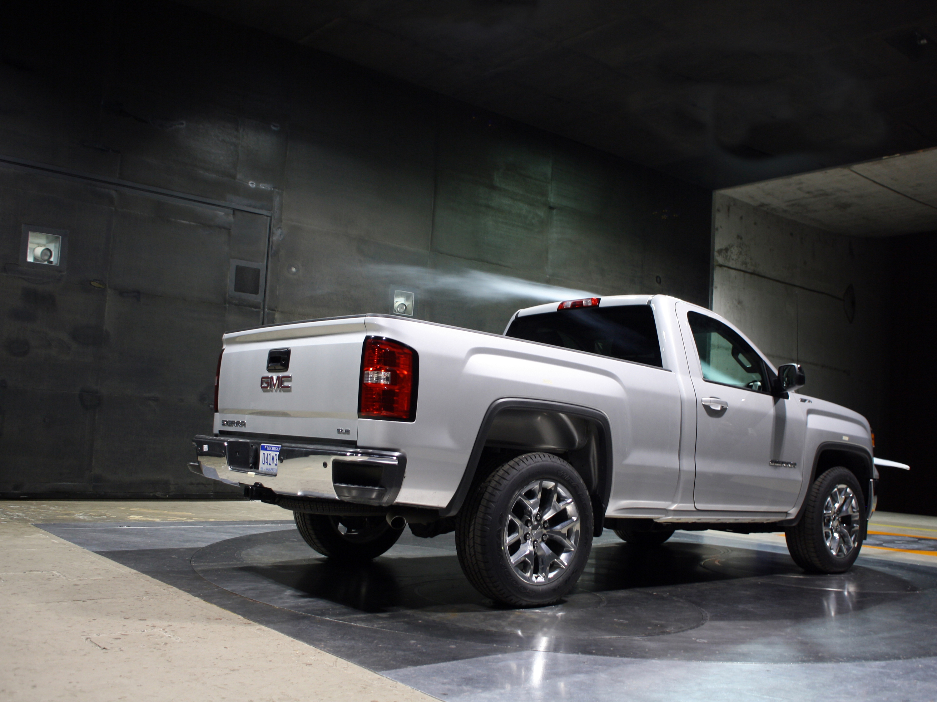 may pickup pages threequarter sierra luxury and studio media content vehicles detail capability front en high tech us pairs truck denali news gmc
