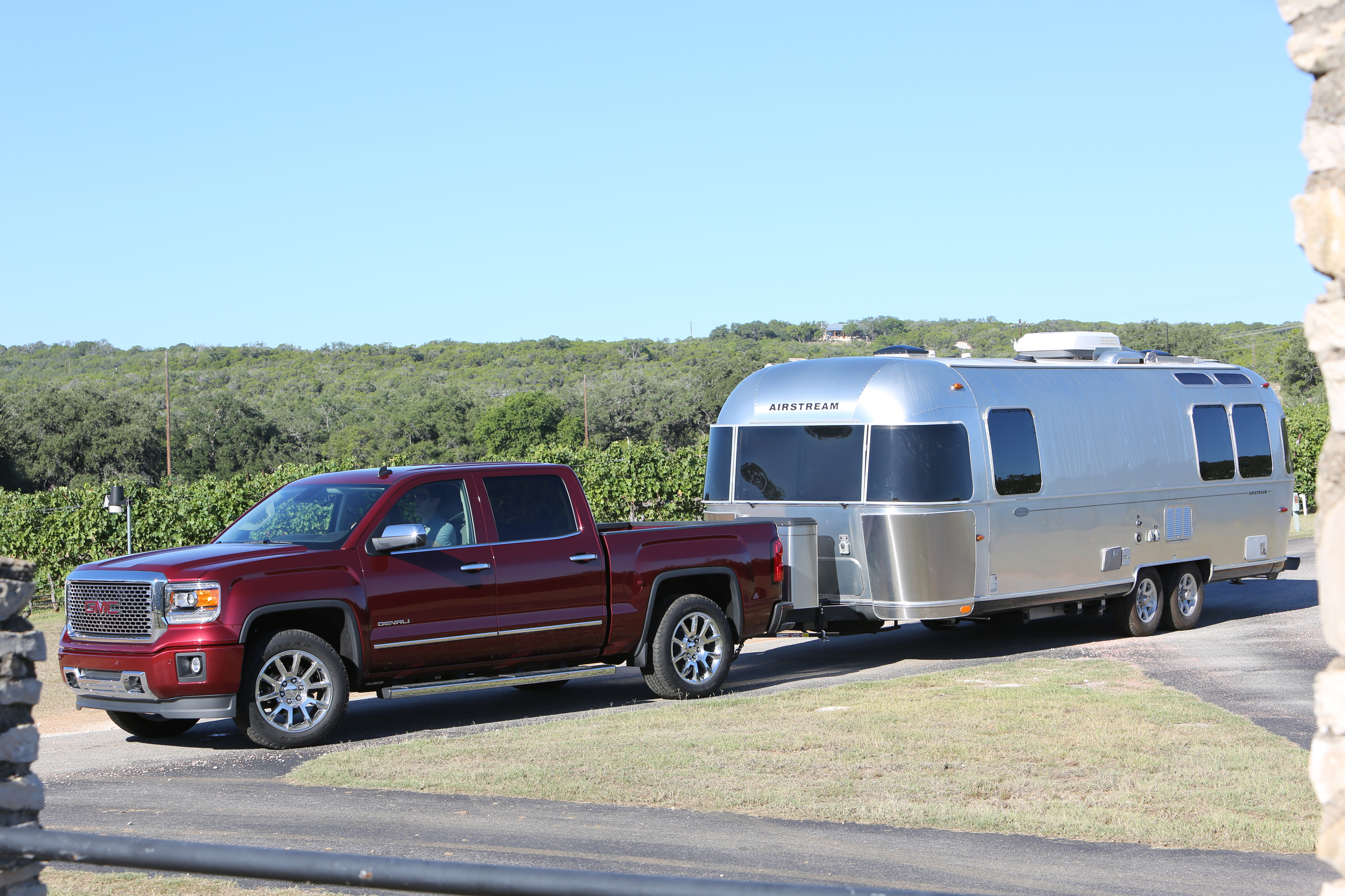 2015 Gmc Sierra 1500 Maintains 12 000 Lb Max Trailering